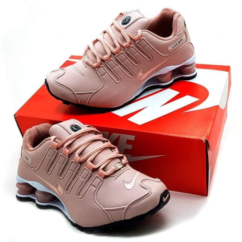 wholesale dealer 29619 7b8c6 Tênis Nike Shox NZ Rosê